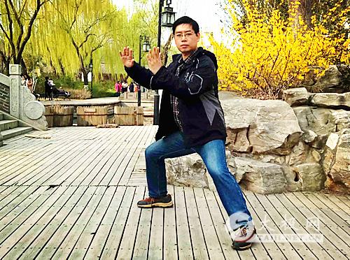 洪式太极拳(129)太极拳要怎样练?--全球养生感动故事——简单重复,蚕食渐变 - 泉之韵 - 洪式太极拳刘秀文的博客----拳之魂